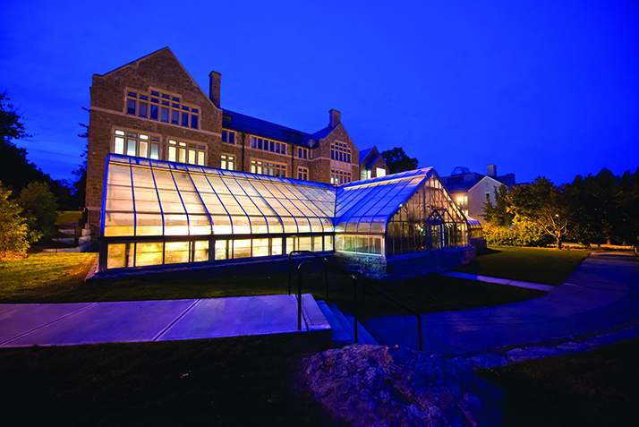 the Connecticut College greenhouse annexed to New London Hall